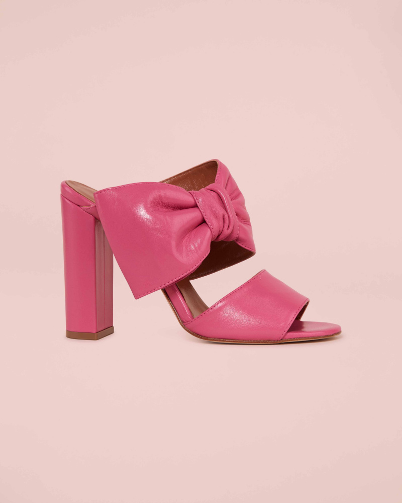 MULES WITH BOW