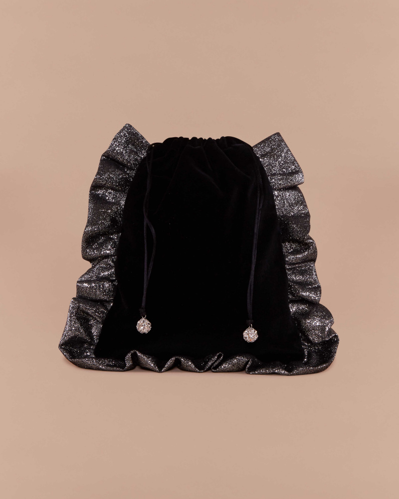 POUCH WITH ROUCHES